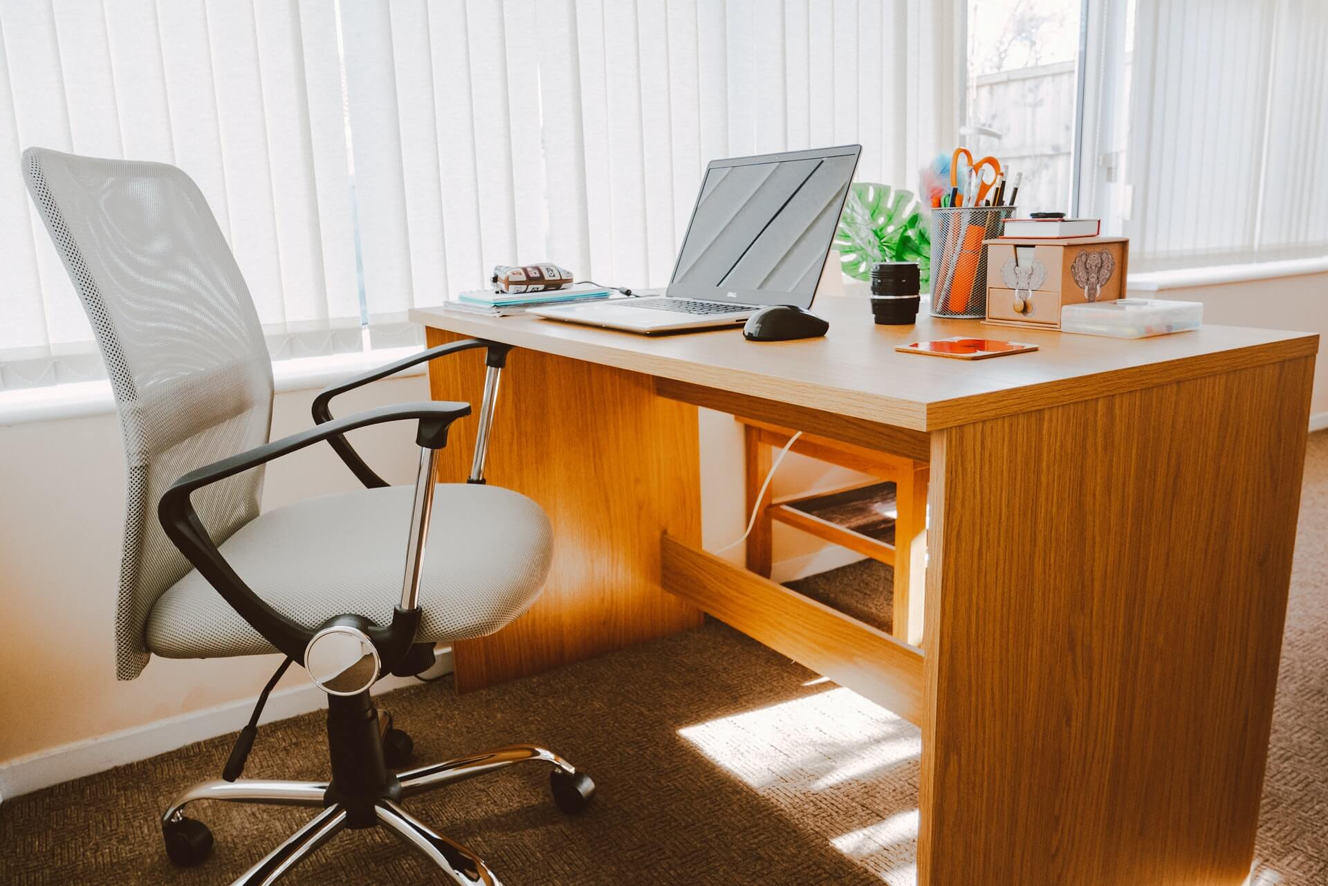 employees who do not return to the office, employment lawyer toronto